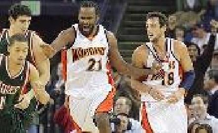 https://www.basketmarche.it/immagini_articoli/16-12-2008/nba-non-basta-un-ottimo-belinelli-a-golden-state-ancora-sconfitta-toronto-270.jpg