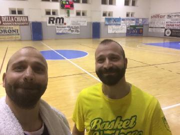 https://www.basketmarche.it/immagini_articoli/16-12-2017/promozione-a-la-vuelle-pesaro-b-vince-lo-scontro-diretto-contro-la-vadese-270.jpg