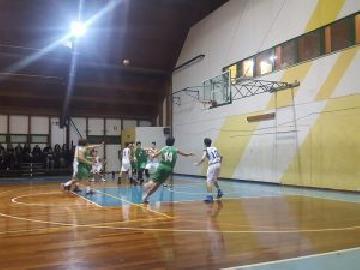 https://www.basketmarche.it/immagini_articoli/16-12-2017/under-16-regionale-il-cab-stamura-ancona-non-sfigura-contro-la-capolista-fabriano-270.jpg