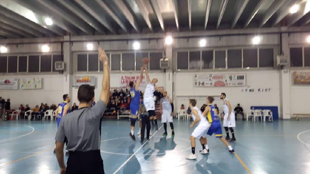 https://www.basketmarche.it/immagini_articoli/16-12-2018/serie-silver-live-girone-abruzzo-marche-risultati-domenica-tempo-reale-600.jpg