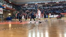 https://www.basketmarche.it/immagini_articoli/16-12-2019/lucky-wind-foligno-continua-stupire-vasto-punti-pesantissimi-120.jpg