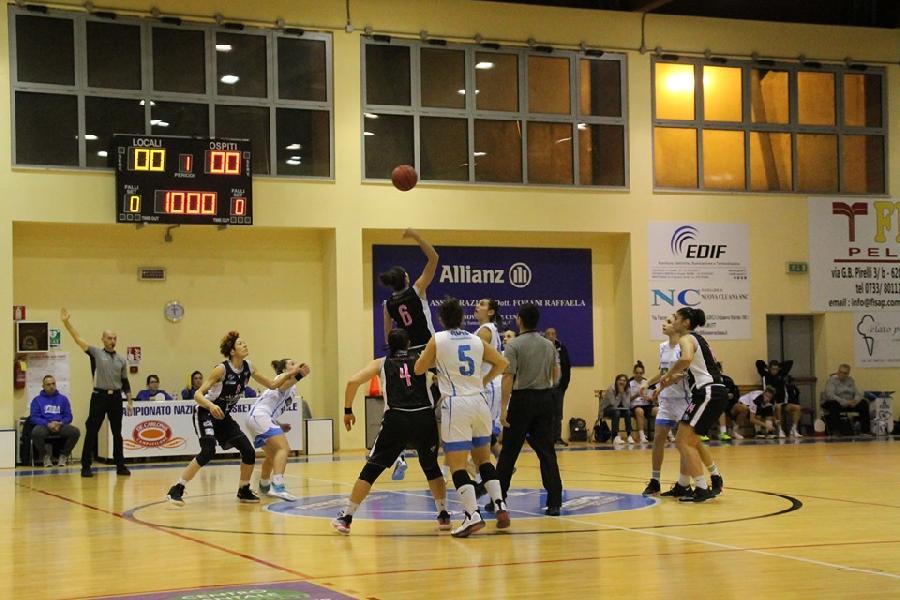 https://www.basketmarche.it/immagini_articoli/16-12-2019/pesante-sconfitta-interna-feba-civitanova-faenza-basket-600.jpg