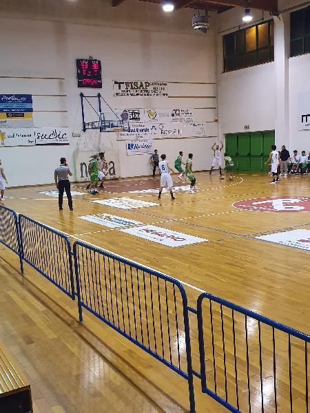 https://www.basketmarche.it/immagini_articoli/16-12-2019/posticipo-88ers-civitanova-superano-fochi-pollenza-600.jpg