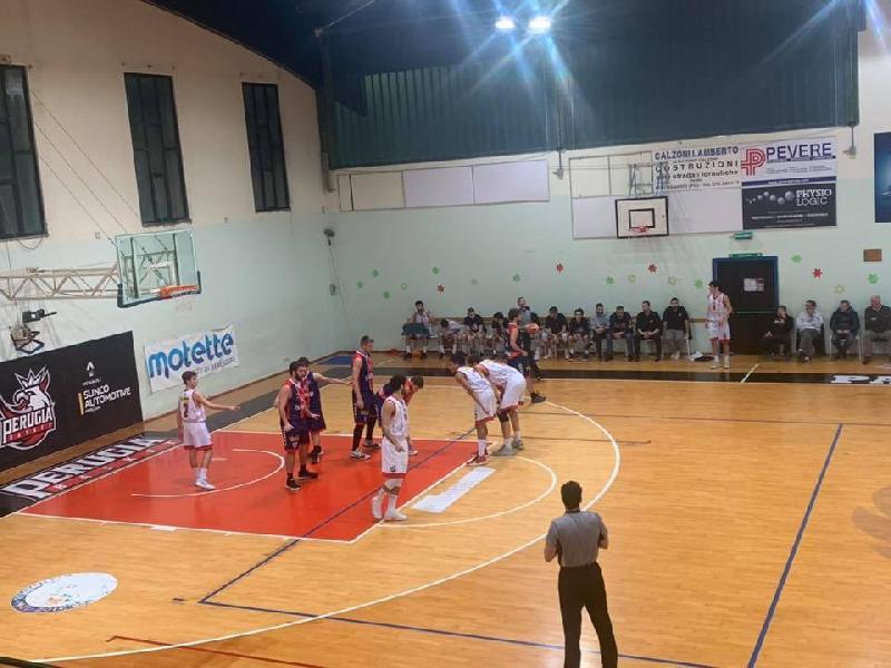 https://www.basketmarche.it/immagini_articoli/16-12-2019/sambenedettese-basket-coach-aniello-siamo-stati-bravi-controllare-gara-portare-casa-punti-600.jpg