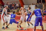 https://www.basketmarche.it/immagini_articoli/17-01-2020/capolista-basket-maceratese-inizia-girone-ritorno-campo-basket-fermo-120.jpg