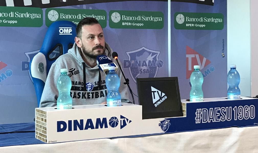 https://www.basketmarche.it/immagini_articoli/17-01-2020/dinamo-sassari-coach-giorgio-gerosa-pesaro-dovremo-giocare-concentrati-minuti-600.jpg