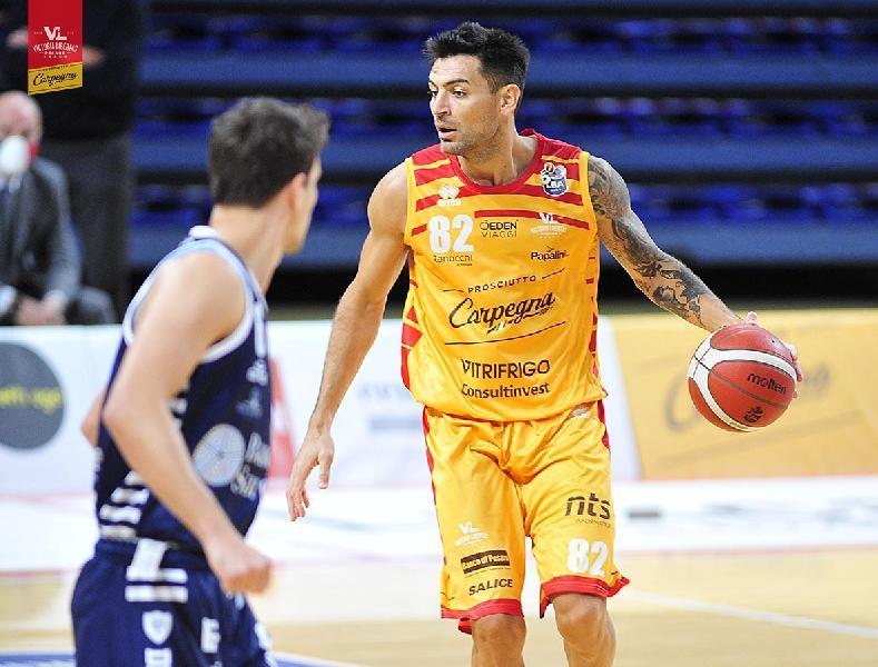 https://www.basketmarche.it/immagini_articoli/17-01-2021/pesaro-carlos-delfino-rischio-forfait-sfida-dinamo-sassari-600.jpg