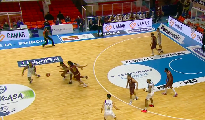 https://www.basketmarche.it/immagini_articoli/17-01-2021/reyer-venezia-espugna-campo-happy-casa-brindisi-120.png