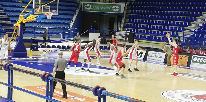https://www.basketmarche.it/immagini_articoli/17-02-2019/chieti-basket-espugna-porto-giorgio-punta-playoff-600.jpg