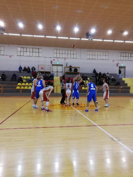 https://www.basketmarche.it/immagini_articoli/17-02-2019/regionale-live-girone-gare-domenica-ritorno-tempo-reale-600.jpg