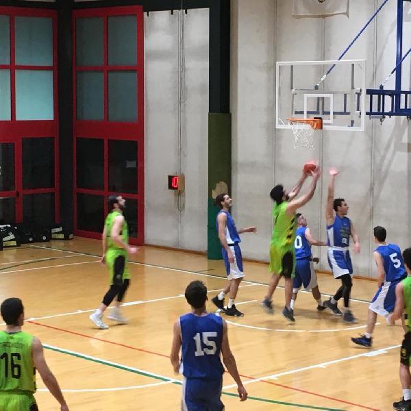 https://www.basketmarche.it/immagini_articoli/17-02-2019/regionale-live-girone-umbria-gare-domenica-ritorno-tempo-reale-600.jpg
