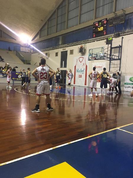 https://www.basketmarche.it/immagini_articoli/17-02-2019/silver-ritorno-vincono-todi-urbania-assisi-cade-recanati-bene-orvieto-jesine-600.jpg