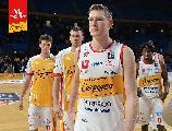 https://www.basketmarche.it/immagini_articoli/17-02-2020/carpegna-prosciutto-basket-pesaro-ufficiale-rescissione-contratto-clint-chapman-120.jpg