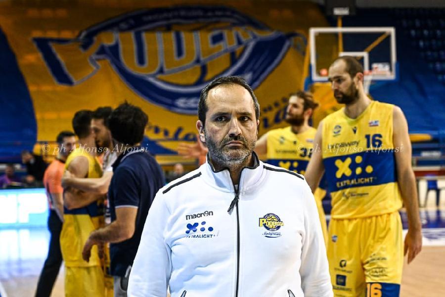 https://www.basketmarche.it/immagini_articoli/17-02-2020/poderosa-montegranaro-coach-carlo-siamo-andati-sprazzi-abbiamo-fatto-buona-gara-600.jpg