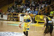 https://www.basketmarche.it/immagini_articoli/17-02-2020/poderosa-montegranaro-severo-arriva-quarta-sconfitta-consecutiva-120.jpg