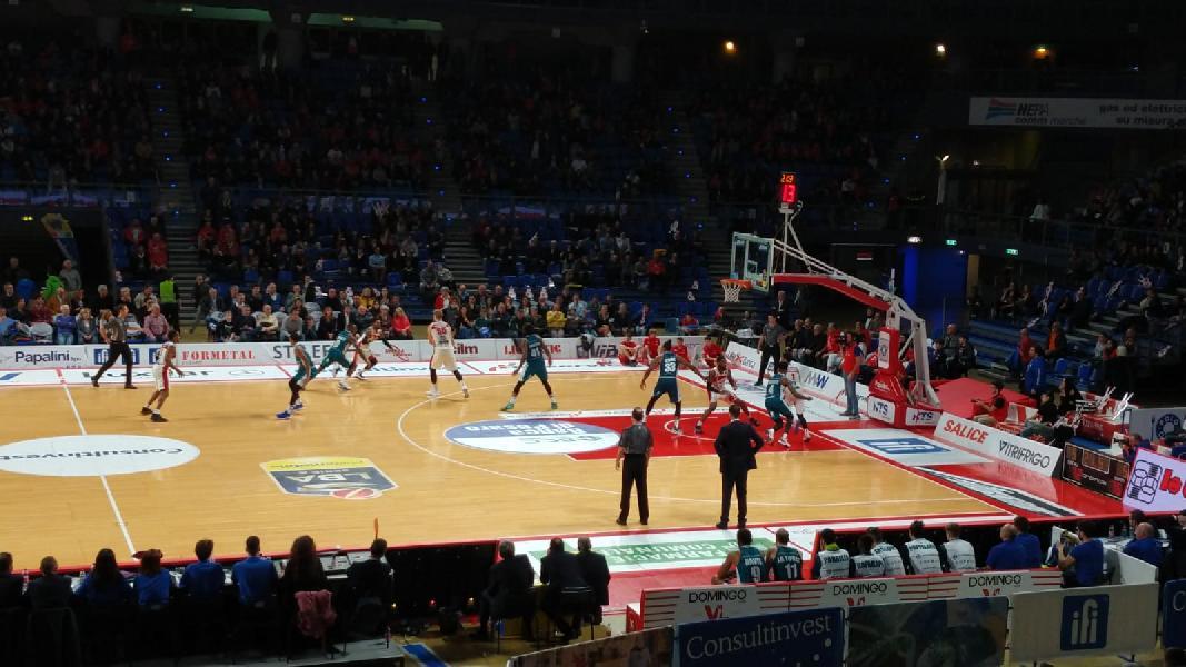 https://www.basketmarche.it/immagini_articoli/17-03-2019/pagelle-pesaro-cant-mockevicius-migliore-biancorossi-gaines-blakes-jefferson-canturini-600.jpg