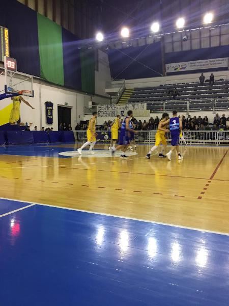 https://www.basketmarche.it/immagini_articoli/17-03-2019/pallacanestro-titano-marino-recanati-beffa-arriva-supplementare-600.jpg