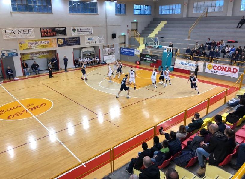 https://www.basketmarche.it/immagini_articoli/17-03-2019/robur-osimo-arrende-casa-capolista-unibasket-lanciano-600.jpg