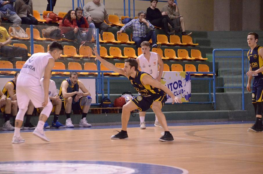 https://www.basketmarche.it/immagini_articoli/17-03-2019/serie-gold-ritorno-lanciano-ferma-chieti-riparte-bene-matelica-fosso-colpo-isernia-600.jpg
