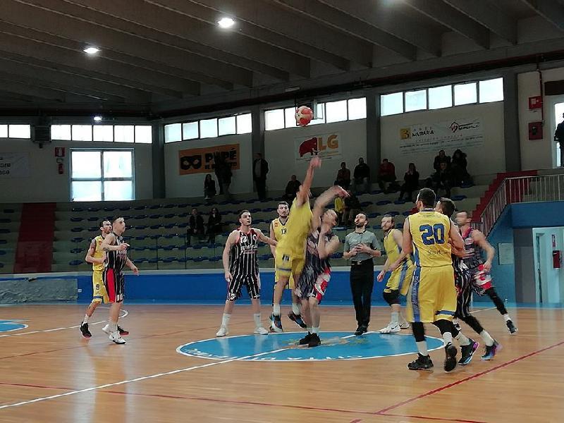https://www.basketmarche.it/immagini_articoli/17-03-2019/torre-spes-espugna-volata-campo-airino-basket-termoli-600.jpg