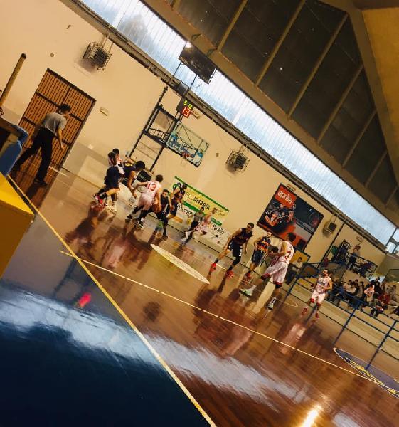 https://www.basketmarche.it/immagini_articoli/17-03-2019/virtus-assisi-espugna-campo-orvieto-testa-match-posto-600.jpg