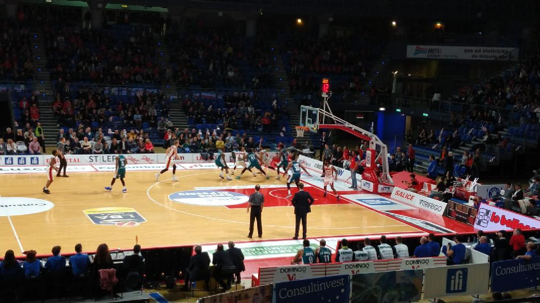 https://www.basketmarche.it/immagini_articoli/17-03-2019/vuelle-pesaro-cede-passo-pallacanestro-cant-tanti-rimpianti-600.jpg
