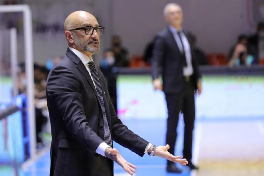 https://www.basketmarche.it/immagini_articoli/17-03-2021/brindisi-coach-vitucci-vittoria-importante-nostro-cammino-europeo-dobbiamo-essere-affamati-ogni-possesso-600.jpg