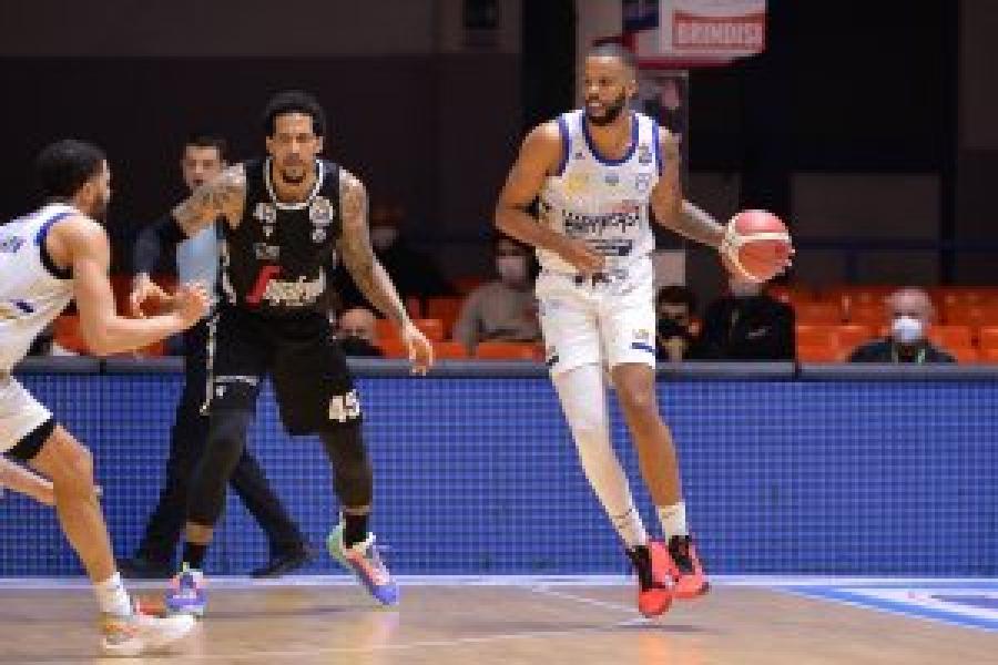 https://www.basketmarche.it/immagini_articoli/17-03-2021/serie-mattia-udom-votato-migliore-italiano-snaipay-giornata-600.jpg