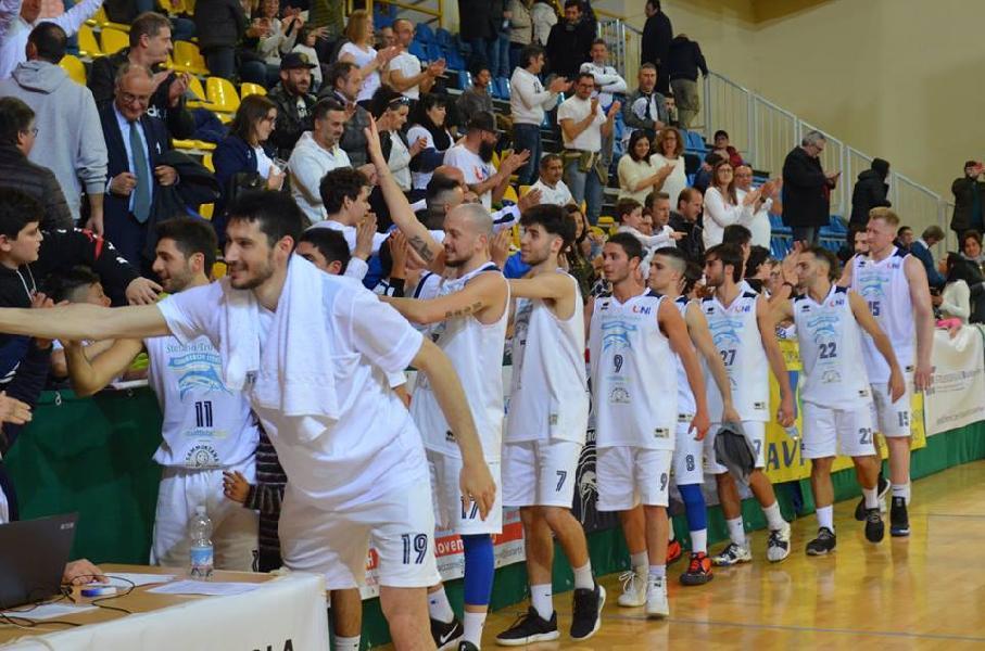 https://www.basketmarche.it/immagini_articoli/17-04-2019/gold-playoff-unibasket-lanciano-cerca-pass-semifinale-campo-sambenedettese-600.jpg