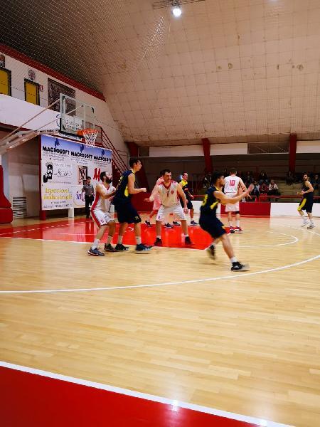 https://www.basketmarche.it/immagini_articoli/17-04-2019/regionale-playoff-basket-maceratese-castelfidardo-chiudere-conti-600.jpg