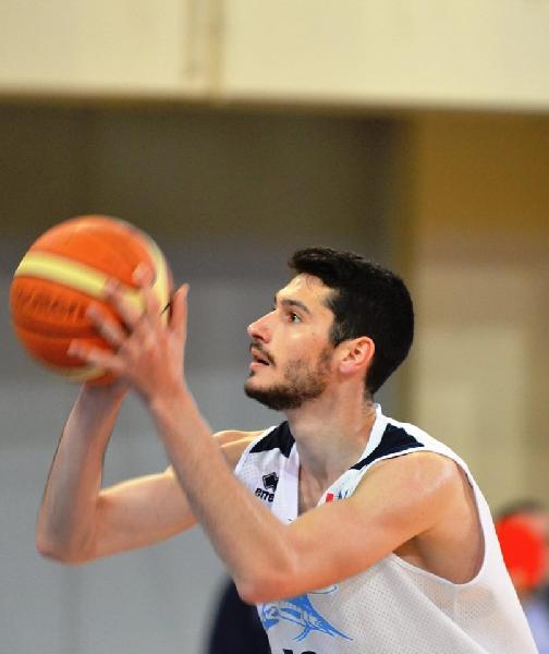 https://www.basketmarche.it/immagini_articoli/17-04-2019/unibasket-lanciano-angelo-adonide-benedetto-aspetta-gara-intensa-siamo-600.jpg