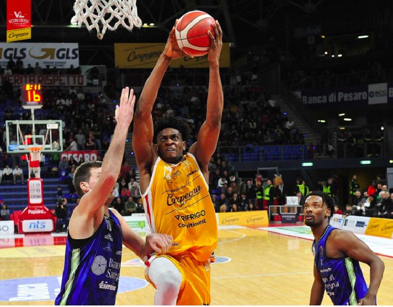 https://www.basketmarche.it/immagini_articoli/17-04-2020/pesaro-paul-eboua-possibile-nome-progetto-lanciato-league-600.png