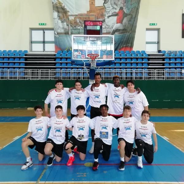 https://www.basketmarche.it/immagini_articoli/17-04-2021/eccellenza-abruzzo-giornata-esordio-vittorie-unibasket-lanciano-basket-ortona-600.jpg