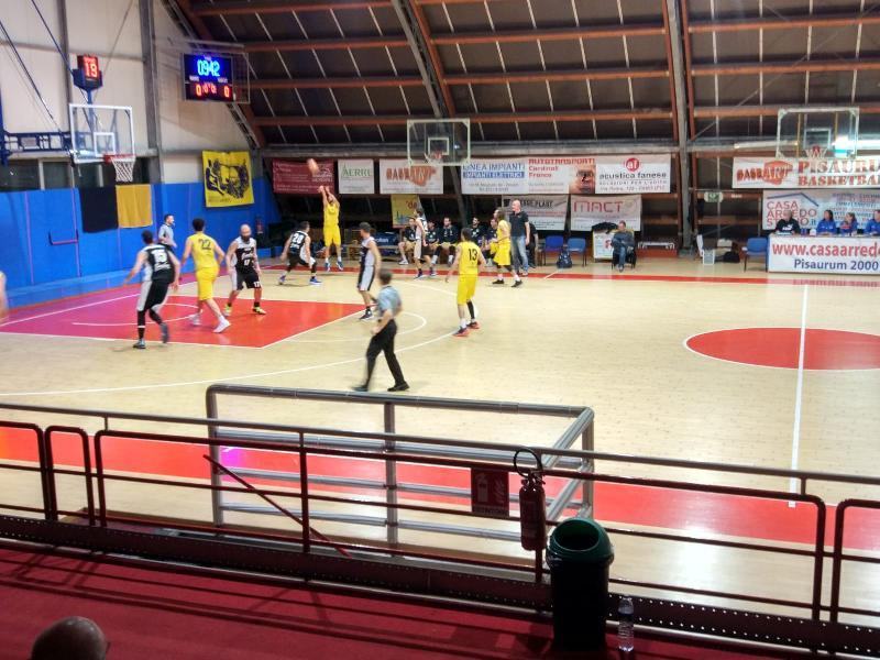 https://www.basketmarche.it/immagini_articoli/17-05-2019/regionale-finals-pallacanestro-acqualagna-firma-colpo-campo-loreto-pesaro-600.jpg