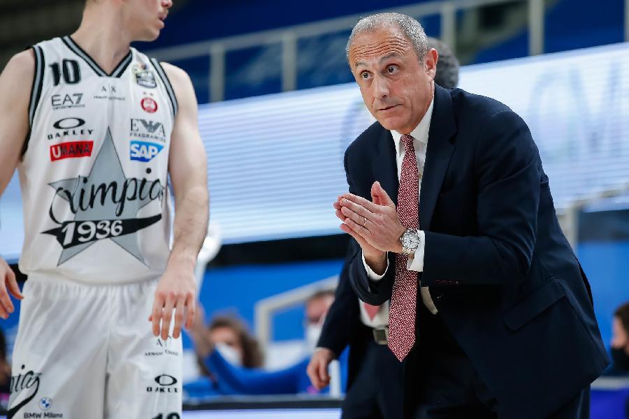 https://www.basketmarche.it/immagini_articoli/17-05-2021/milano-coach-messina-vinta-serie-molto-fisica-fondamentale-apporto-moraschini-600.jpg