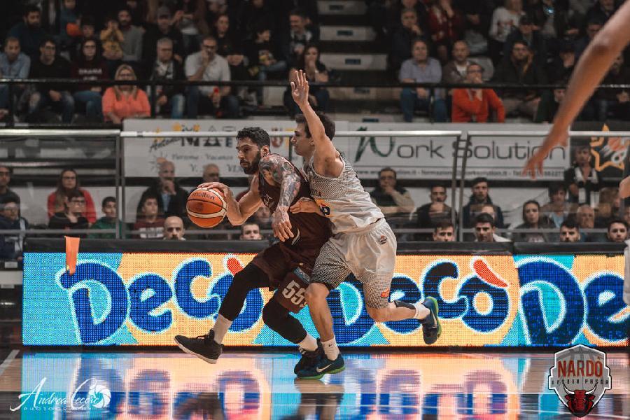 https://www.basketmarche.it/immagini_articoli/17-06-2019/pallacanestro-nard-conferma-gionata-zampolli-600.jpg