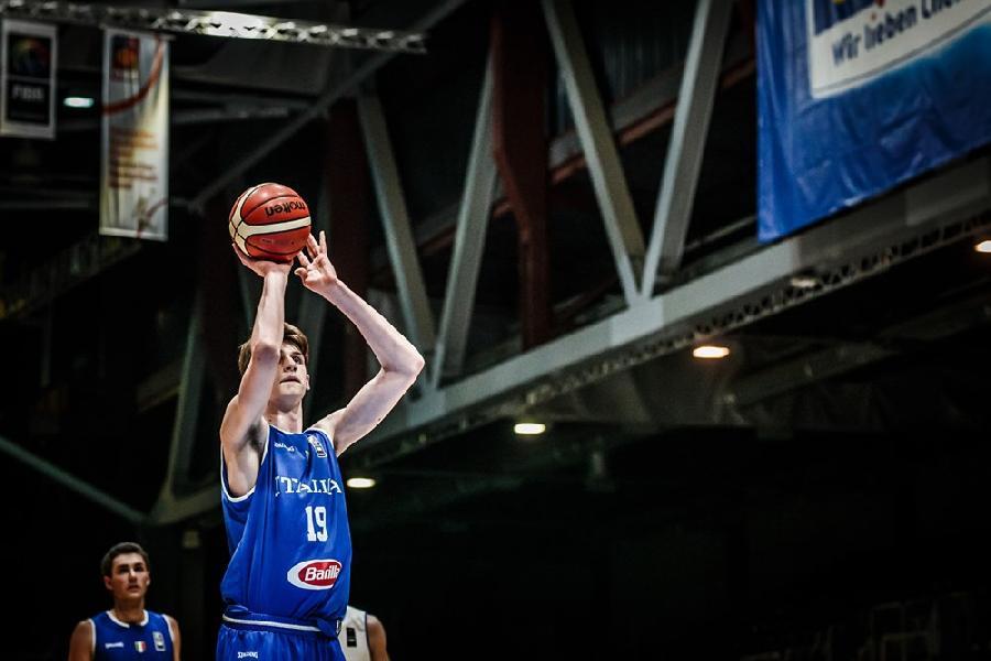 https://www.basketmarche.it/immagini_articoli/17-07-2019/ufficiale-centro-matteo-berti-totem-poderosa-montegranaro-600.jpg
