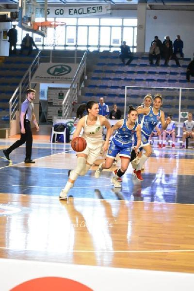 https://www.basketmarche.it/immagini_articoli/17-07-2020/colpo-mercato-feba-civitanova-ufficiale-larrivo-dellala-grande-giorgia-rimi-600.jpg