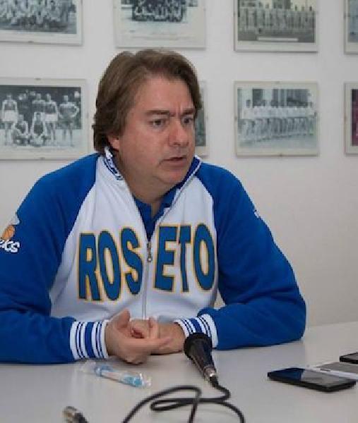 https://www.basketmarche.it/immagini_articoli/17-07-2020/ufficiale-tony-trullo-allenatore-direttore-sportivo-pallacanestro-roseto-600.jpg