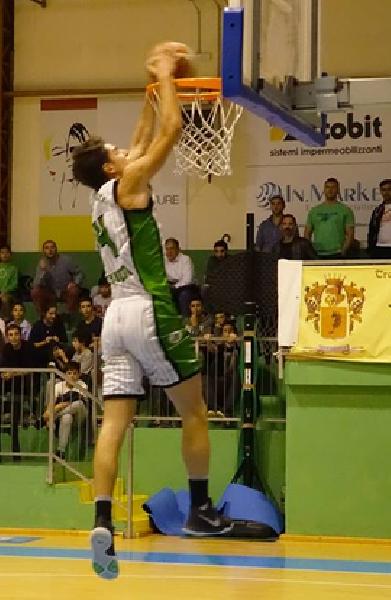 https://www.basketmarche.it/immagini_articoli/17-08-2018/serie-c-gold-il-magic-basket-chieti-chiude-il-roster-con-la-conferma-di-luca-masciulli-600.png