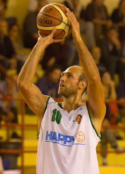https://www.basketmarche.it/immagini_articoli/17-08-2018/serie-c-silver-la-pallacanestro-recanati-ingaggia-il-lungo-andrea-gjinaj-600.jpg