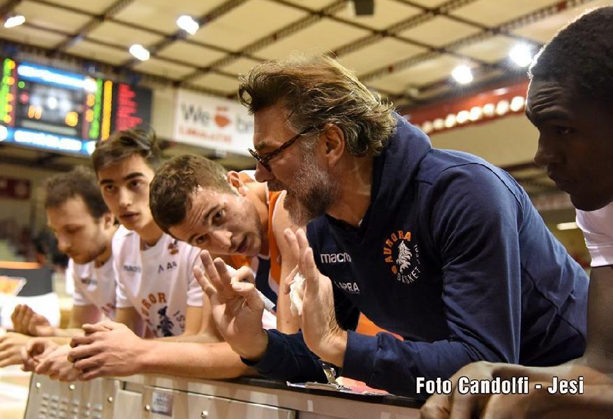 https://www.basketmarche.it/immagini_articoli/17-08-2020/aurora-jesi-coach-ghizzinardi-saremo-bravi-faremo-play-altrimenti-faremo-play-600.jpg