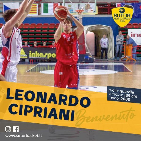 https://www.basketmarche.it/immagini_articoli/17-08-2020/ufficiale-guardia-leonardo-cipriani-giocatore-sutor-montegranaro-600.jpg