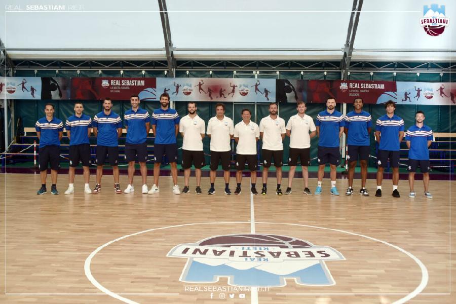 https://www.basketmarche.it/immagini_articoli/17-08-2021/real-sebastiani-rieti-raduno-preso-stagione-600.jpg