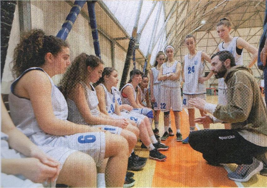 https://www.basketmarche.it/immagini_articoli/17-09-2019/emiliano-benini-development-coach-robur-family-osimo-600.jpg