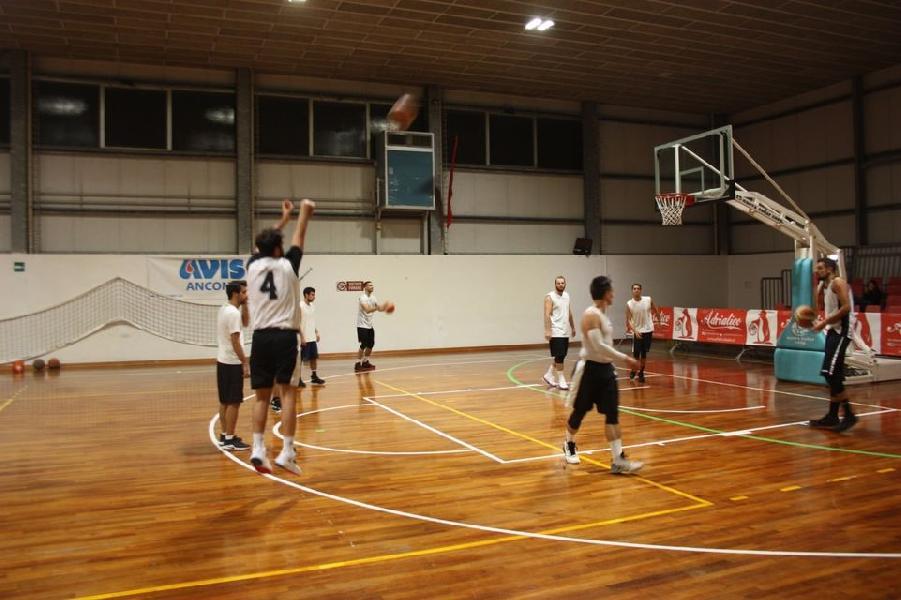 https://www.basketmarche.it/immagini_articoli/17-09-2020/conero-luned-settembre-preparazione-precampionato-600.jpg