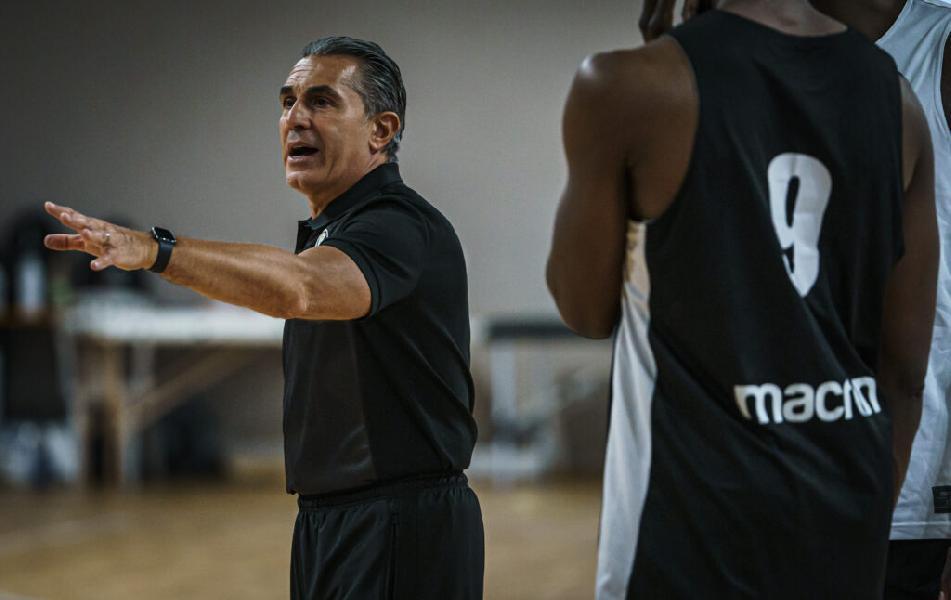 https://www.basketmarche.it/immagini_articoli/17-09-2021/supercoppa-virtus-bologna-sfida-tortona-coach-scariolo-quando-vincere-gioca-vincere-600.jpg