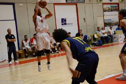 https://www.basketmarche.it/immagini_articoli/17-10-2017/d-regionale-i-protagonisti-del-campionato-intervista-con-matteo-sebastianelli-basket-maceratese-270.jpg