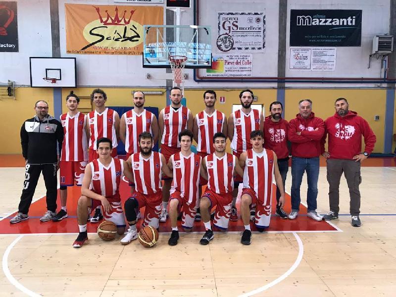 https://www.basketmarche.it/immagini_articoli/17-10-2018/basket-durante-urbania-francesco-bianchi-contenti-prima-vittoria-pesaro-difficile-600.jpg