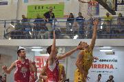 https://www.basketmarche.it/immagini_articoli/17-10-2019/black-bombonera-risveglia-sutor-montegranaro-fine-piacenza-esultare-120.jpg